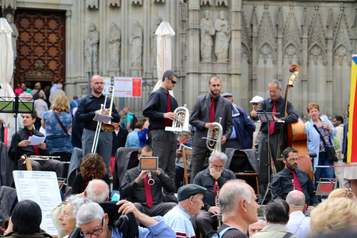 Band at the Cathederal Barcelona